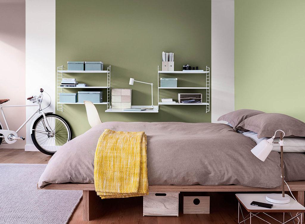 Sơn phòng ngủ màu xanh lá cây tươi mát - Kienthucsonnuoc.vn